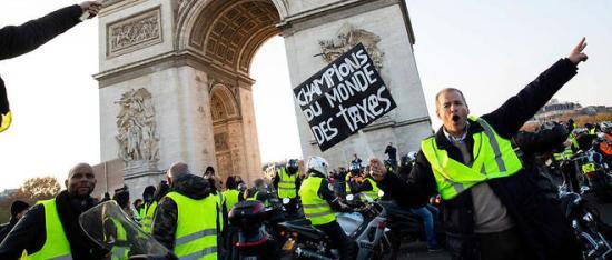 Macron kérésére fogadják a sárgamellényesek képviselőit