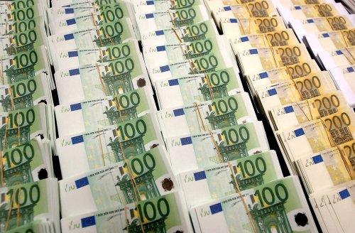 Erősíti az eurót az Európai Bizottság