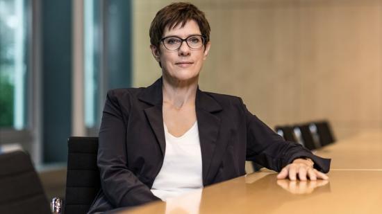 Annegret Kramp-Karrenbauer a német CDU új elnöke