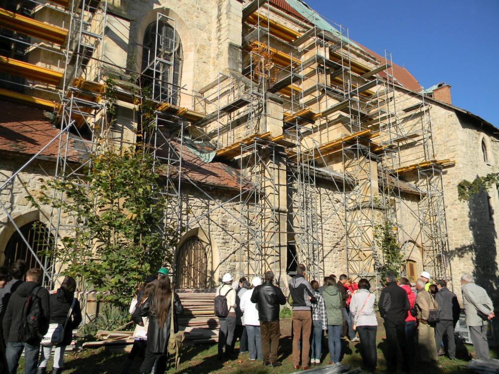 Kitartóan, szakszerűen, csapatmunkával dolgoznak Erdély történeti épületein