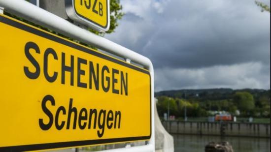 EP: Romániát is Bulgáriát fel kell venni a Schengenbe