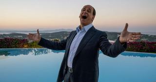 Toni Servillo élete legnehezebb szerepének tartja Berlusconi megformálását