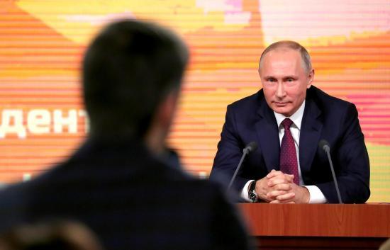 Putyin: a kercsi icidens növelte az egyik ukrán elnökjelölt támogatottságát