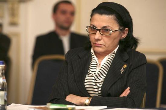 Andronescu a gyenge tanárok ellen