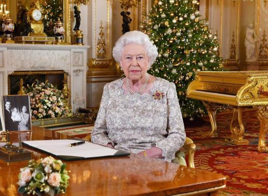 A béke és a jóakarat fontosságát hangsúlyozta karácsonyi üzenetében a brit uralkodó