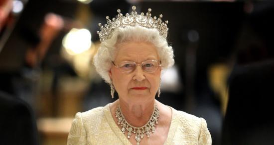 Gyermekmentő búvárok, terrortámadások sérültjeit segítők és élsportolók a brit uralkodó újévi kitüntetési listáján