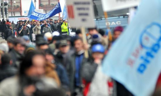 Tiltakoznak a szakszervezetek az adóügyi módosítások miatt, tüntetésekre készülnek