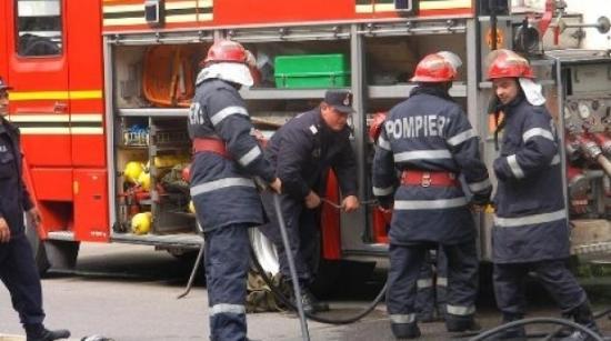 Robbanás és lakástűz Marosvásárhelyen – 18 személyt kimenekítettek