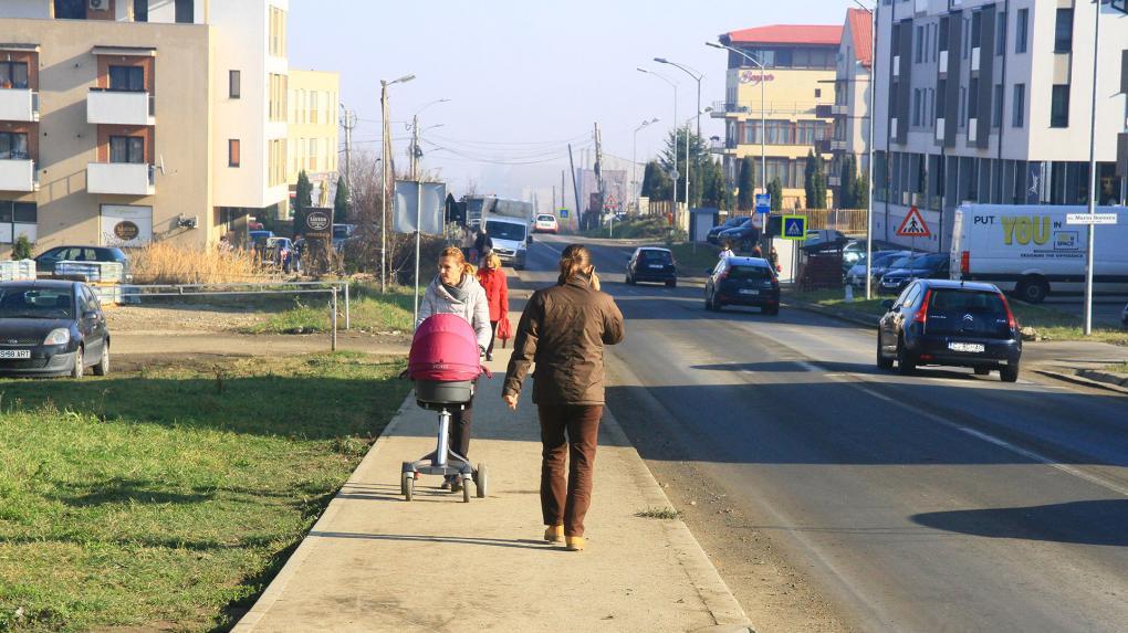Utakat és megfelelő közműhálózatot szeretnének a szászfenesiek