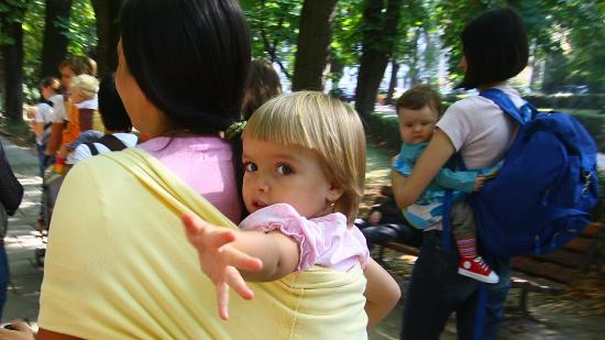Gyermekvállalás és munka, avagy a romániai nők helyzetéről