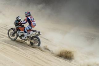 Feladta a Dakar-ralit Gyenes Emánuel