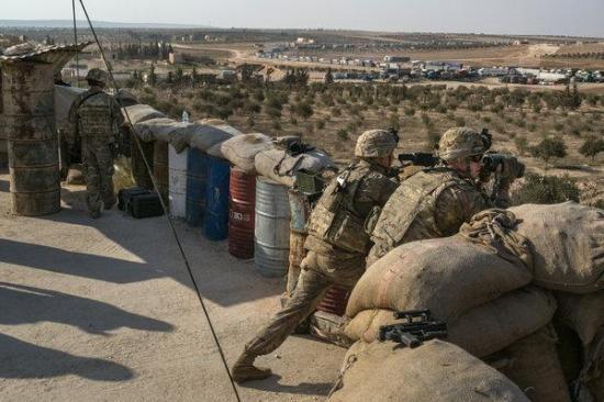 Mike Pence: az Egyesült Államok kitart a szíriai csapatkivonás mellett