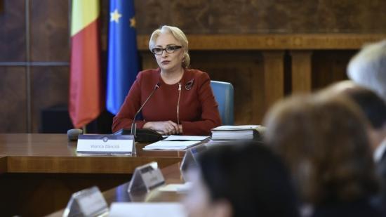 Mire kéri Dăncilă az elnököt?