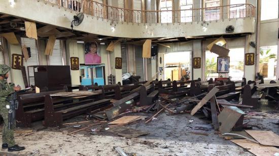 Pokolgépek robbantak a Fülöp-szigeteken egy templomnál
