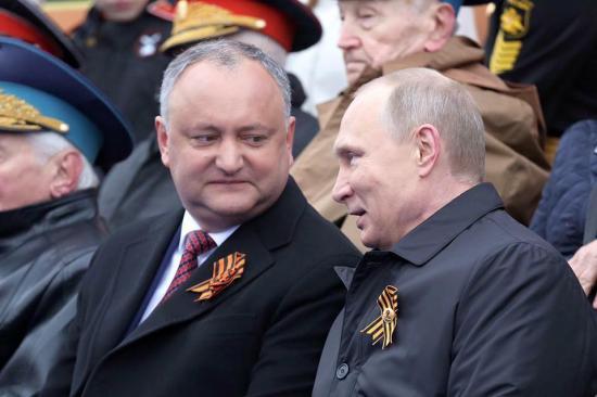 Putyin és Dodon megállapodott a moldovai áruk ukrán tranzitjának felújításáról