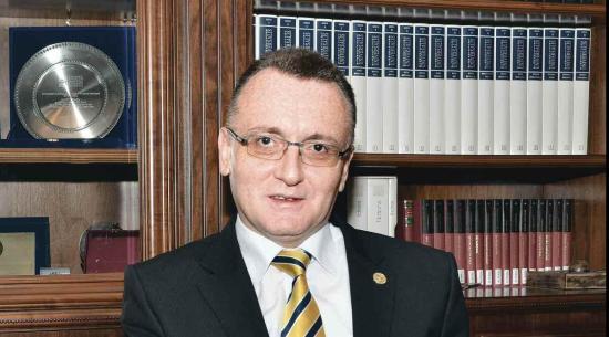 MOGYE-ügy - Politikai kampányfogásnak tekinti Navracsics Tibor kijelentéseit a romániai rektorok tanácsának elnöke