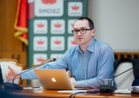 Az RMDSZ beterjeszti az anyanyelvhasználatot bővítő közigazgatási kódexet