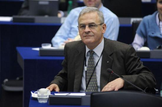 Tőkés: kerüljön az erdélyi magyar lista harmadik helyére az EMNP és az MPP közös jelöltje az EP-választáson