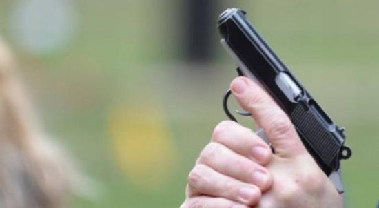 Tévedésből fejbe lőttek egy nőt a marosvécsi rendőrök (FRISSÍTVE)