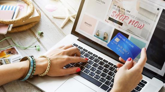 Virtuális próbafülke, kínai bocskai – változnak vásárlási szokásaink