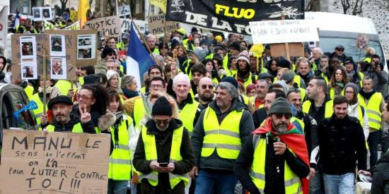 Tizenötödik alkalommal tüntettek a sárgamellényesek