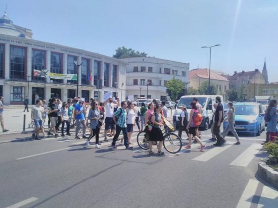 A zebrán tiltakoztak az igazságügyi törvények módosítása ellen