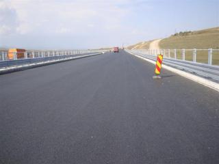 Saját költségén épített egy méter autópályát egy moldvai vállalkozó