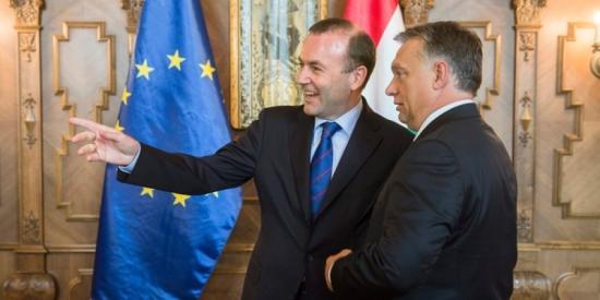 Manfred Weber találkozót kezdeményez Orbán Viktorral