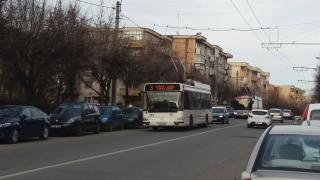 Eldőlt: három hét múlva külön buszsáv a ...