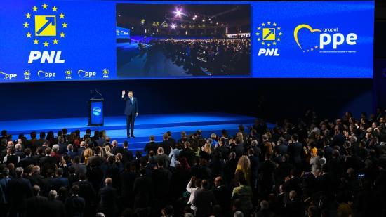 EPP-csúcstalálkozó Bukarestben: bírálták a kormányt