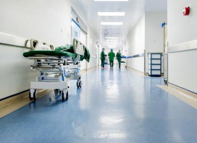 Házkutatások cégeknél, melyek az előírásoknak nem megfelelő fertőtlenítőszert adtak el kórházaknak