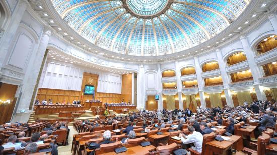 Összezártak a román pártok: leszavazták a gyulafehérvári nyilatkozat törvénybe foglalását