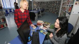 Magyar részleg az egész családnak a megyei könyvtárban