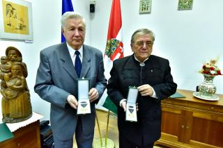 Magyar Arany Érdemkereszteket adtak át Kolozsváron