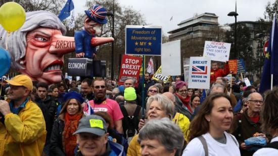 Brexit - Százezres tüntetés Londonban az újabb népszavazásért