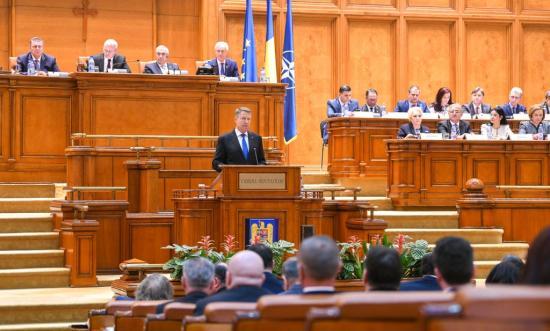 Iohannis: a kormány dilettantizmusa biztonsági kockázattá vált Románia számára
