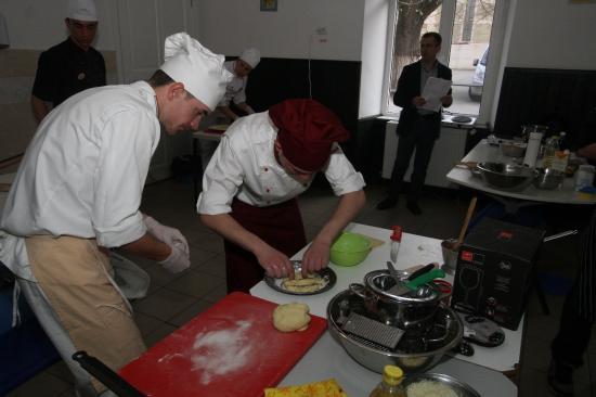 Erdélyi főúri étkek a Református Kollégium konyháján