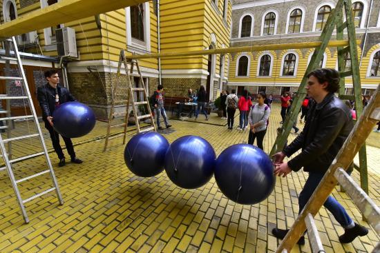 Kísérletszombat: érdekességek a tudomány világából kicsiknek és nagyoknak