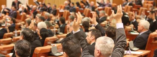 Iohannis megkapta a parlament támogatását az igazságügyi népszavazáshoz