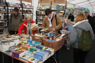 Megnyílt a Gaudeamus Könyvvásár a Főtéren
