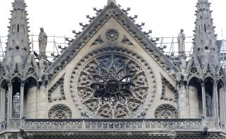 Lángoló katedrálisok kora