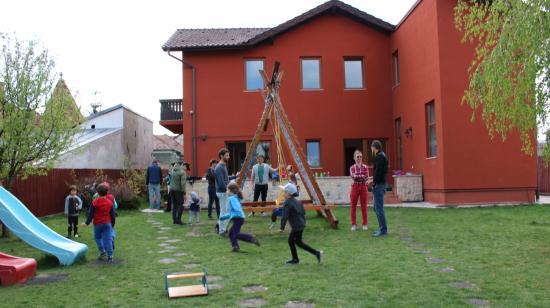 Bújj, bújj, zöld ág...: épülnek a bölcsődék-óvodák a magyar gyerekeknek
