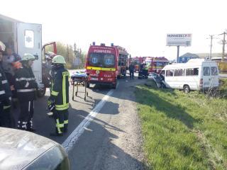FOTÓK, VIDEÓK – Súlyos baleset Magyarkapuson, a SMURD helikopterét is bevetették