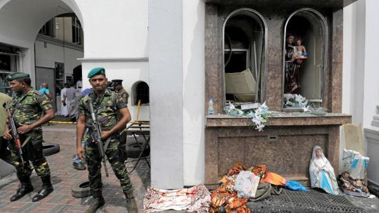 Robbantássorozat Sri Lankán: Szuperbiztonságos katonai bázisra szállítottak nyolc romániai gyereket