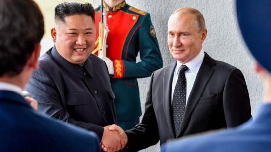 Putyin: Kim látogatása segíthet megoldást találni a rendezésre a Koreai-félszigeten