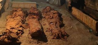 Olasz és egyiptomi régészek 34 múmiát találtak egy ókori sírban