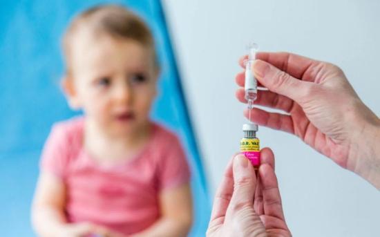 Dr. Vajas Timea: egyedül az oltás védhet a meningitisz ellen