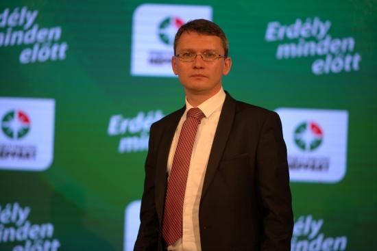 Kitiltatná Magyarországról Dan Tanasă bloggert az EMNP elnöke