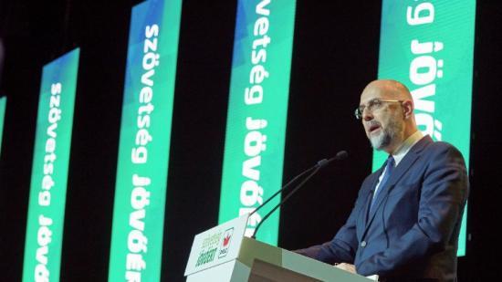Kelemen: diverziókeltés az erdélyi magyarok kettős szavazásával való riogatás - Băsescuék mellé Gyurcsányék is felsorakoztak