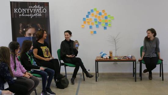 Könyvfaló Tóth Krisztinával: Ődrének keresztelték a hősnőt a diákok